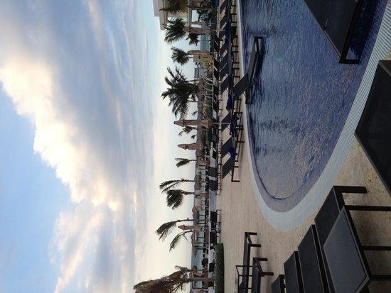 Royalton White Sands Resort : Poolview
