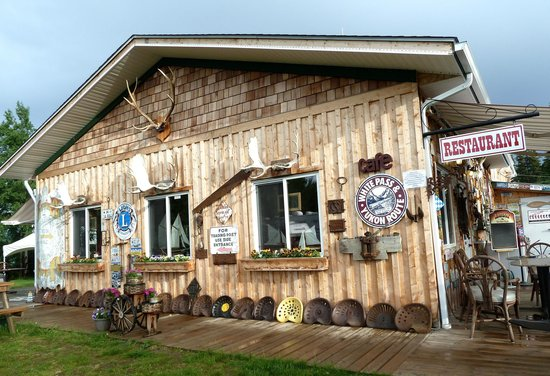 Six Mile River Resort : Quaint and Welcoming!