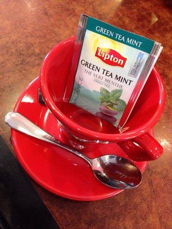 Saint Sauveur : Pause au Salon de Thé de l'Hôtel