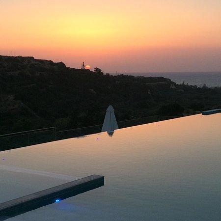 Rimondi Grand Resort & Spa: Sunset over the Pool