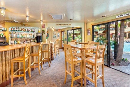 Handlery Hotel San Diego: Reef Lounge Poolside Bar & Grill
