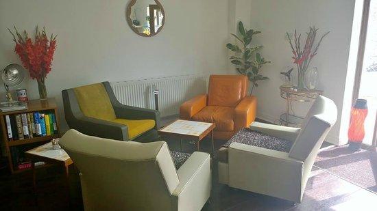 Just Vintage Tea Room Cafe: Comfy seating