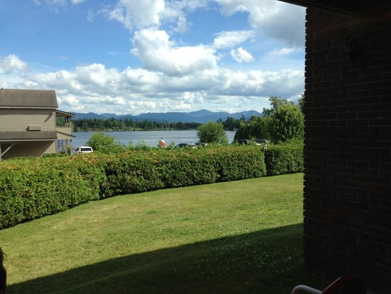 Lake House : View from the bed