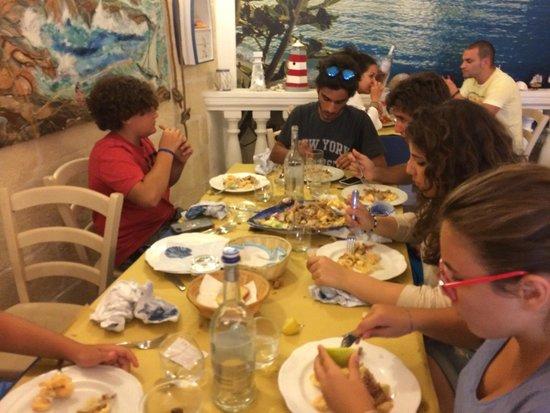 Il Guazzetto: Siamo stati accolti in 13. Famiglia con 7 ragazzini. Senza prenotazione.