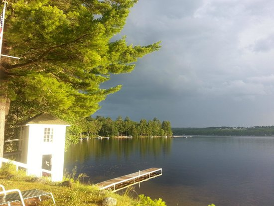 Wolf Cove Inn: Storm's a comin!