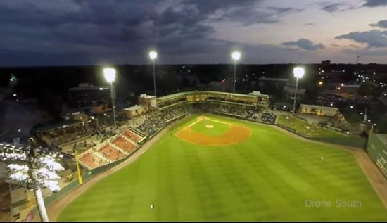 Fluor Field at the WestEnd: Fluor field at night