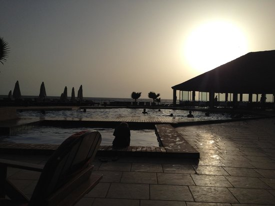 Royal Horizon Baobab : Pool view at sunset