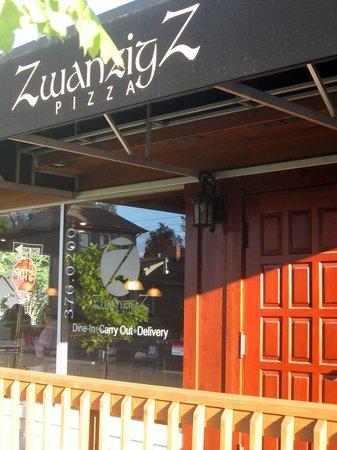 Zwanzig Z Pizza : Entrance
