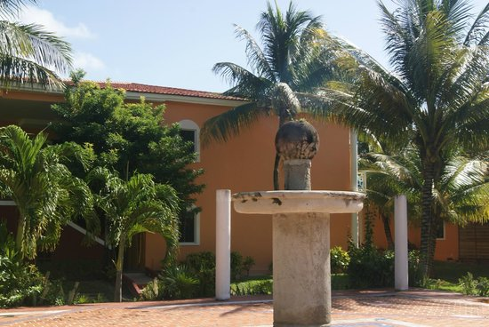 Ocean Maya Royale : grounds