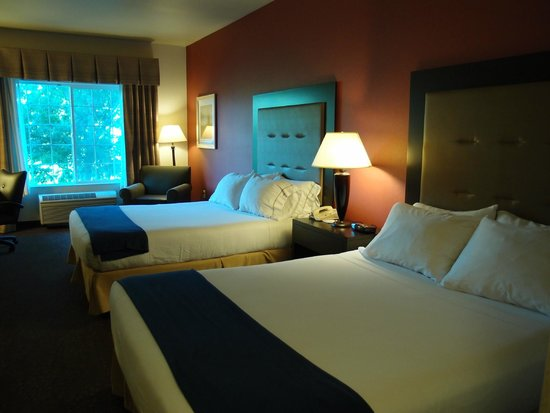 Holiday Inn Express Corvallis: Riverside, first floor, 2 queens
