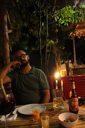 Bizarro Tapas, Bar & Restaurant: Disfrutando