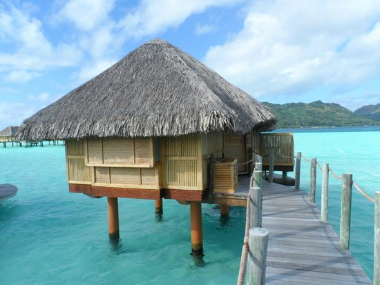 Bora Bora Pearl Beach Resort & Spa : Our Bungalow