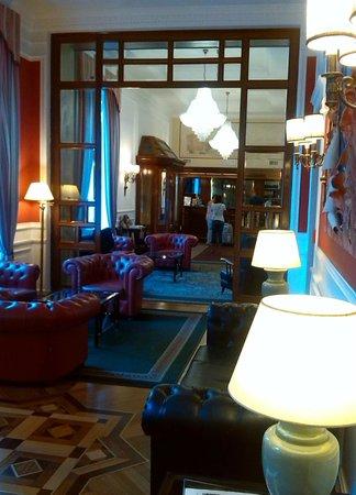 Hotel Nord Nuova Roma : Recepción y zon de descanso