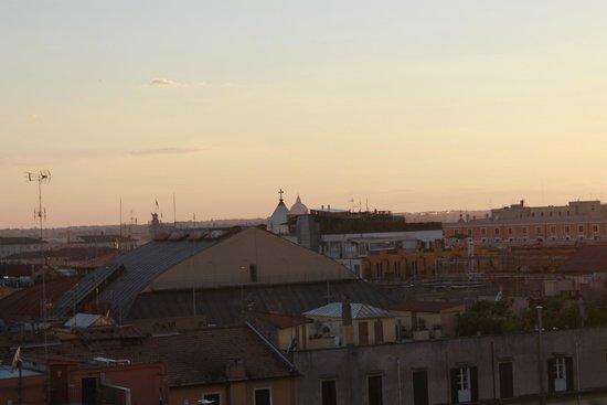 Hotel Nord Nuova Roma: Atardece en Roma. Desde la terraza