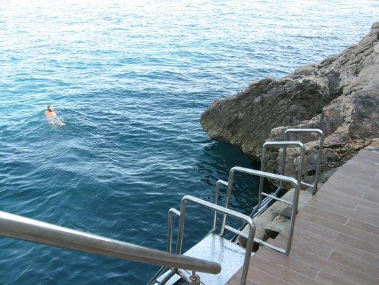 Rixos Hotel Libertas: Swim platform