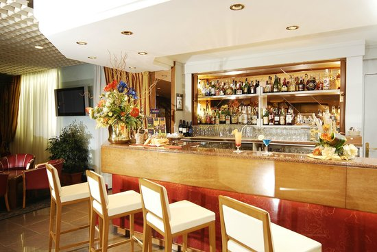 Maxim Hotel: Bar
