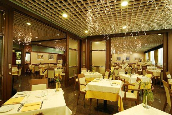 Maxim Hotel: Sala Colazione