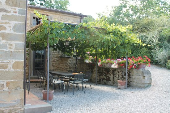 Villa Il Trebbio: al fresco breakfast area to Gelsi house or entire house if a group
