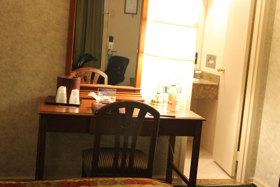 Travel Inn Hotel New York : Desk