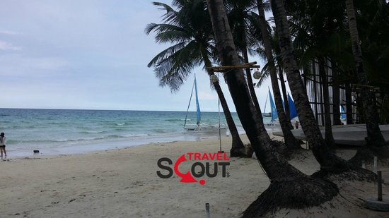 Red Coconut Beach Hotel: Beachfront Lowseason