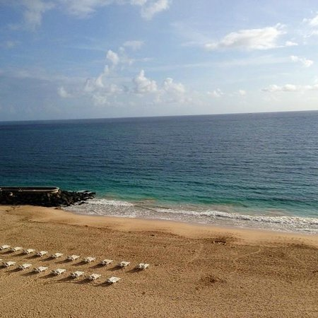 La Concha Renaissance San Juan Resort: Morning beach view