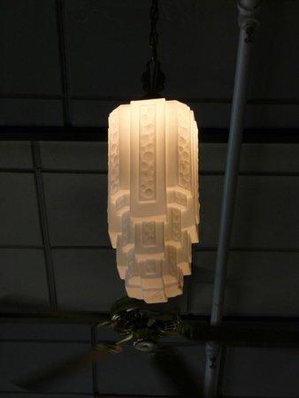 Cafe Pesto Hilo Bay : Cafe Pesto Lighting Fixture
