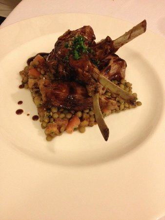 Vicus Restaurant : Lamb with lentil salad