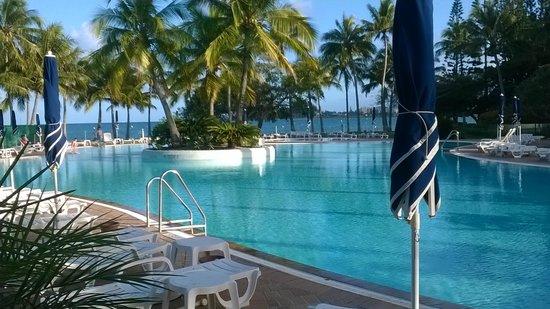 Le Meridien Noumea : Vue de la piscine