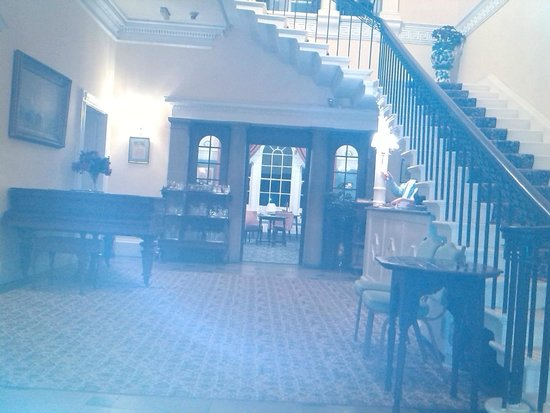Heaves Country House Hotel: Lovely hall