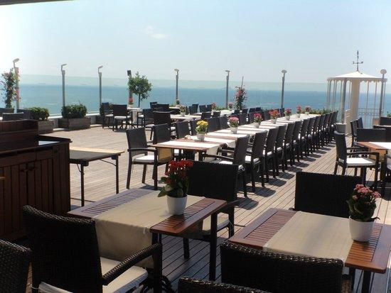 Best Western Plus The President Hotel: restaurant roof top