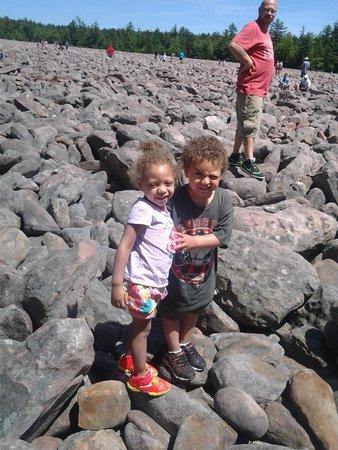 Pocono Mountains Region, Pensilvania: fun day at Boulder Field