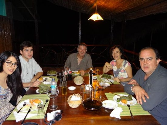 Anaconda Lodge Ecuador: Having a Delicious Dinner!