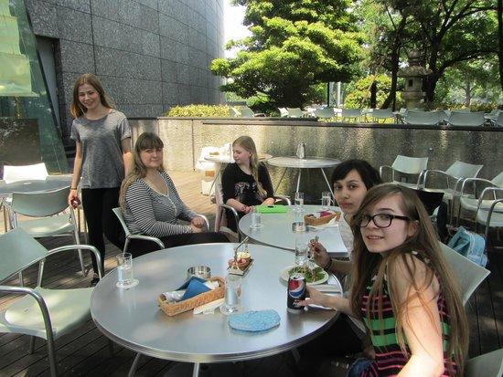 Hotel Grand Arc Hanzomon: lunch on the restauran patio