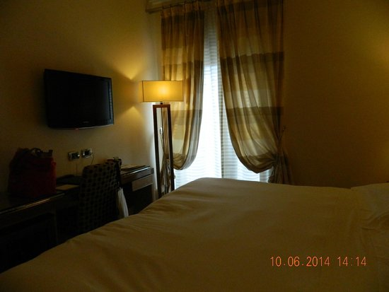 UNA Hotel Roma : habitacion sup