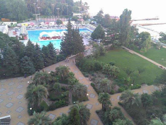 Grand Hotel Zhemchuzhina : территория