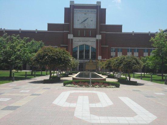 Oklahoma Memorial Stadium : Memorial Stadium