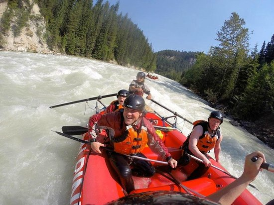 Alpine Rafting: Kicking Horse River Middle Canyon)