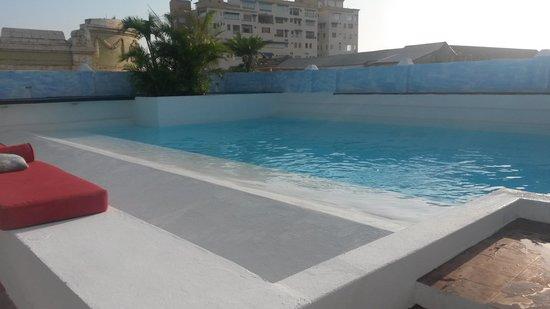 La Passion Hotel Lounge : Piscina