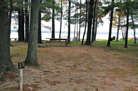 Lynn Ann's Campground: beachside campsite