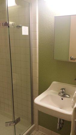 Hotel Fusion : Banheiro Pia