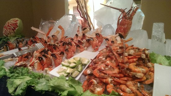 Iberostar Grand Hotel Rose Hall : A seafood platter at one of the buffets