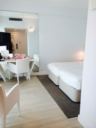 Lutecia Smart Design Hotel: totally white.