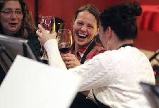 Sliders Oyster Bar: Happy Happy Happy