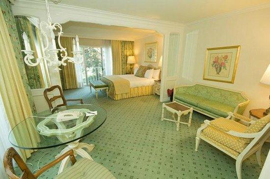 Little America Hotel Flagstaff: king bedroom