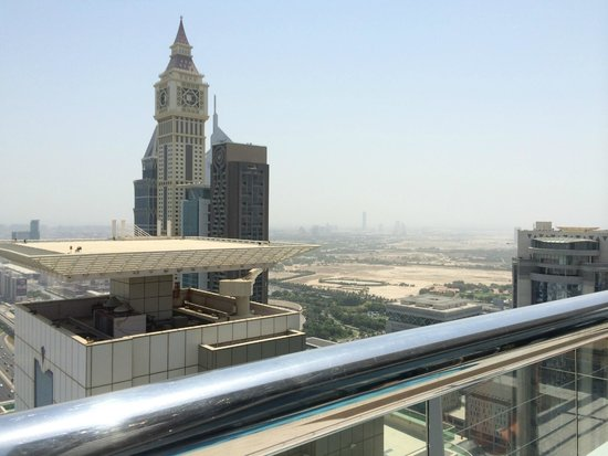 Four Points by Sheraton Sheikh Zayed Road, Dubai : Dubai city view from roof top