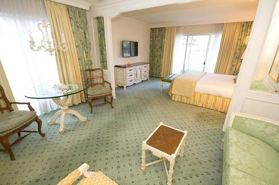 Little America Hotel Flagstaff : king bedroom