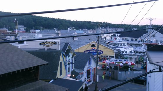 Boathouse Bistro Tapas Lounge & Restaurant: View from outdoor deck
