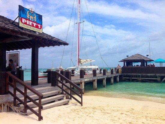Hotel Riu Palace Aruba: Walking the beach