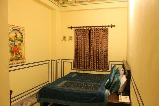 Hotel Baba Haveli: Double Bedded Room