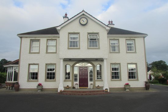 Grennan's Country House: House